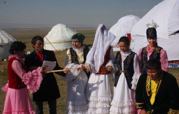 Казахская свадьба, или Ярмарка