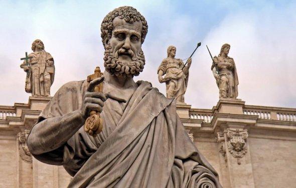 Статуя святого Петра в