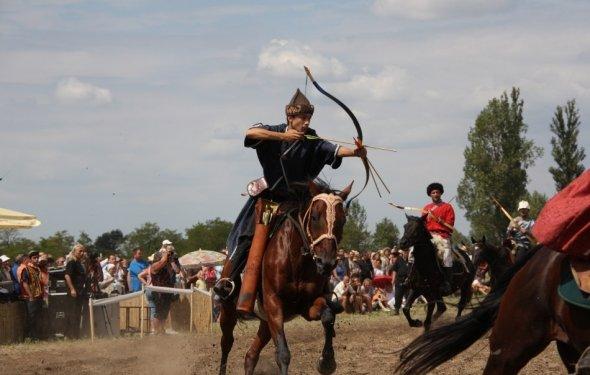 Казахи и венгры: родственники?